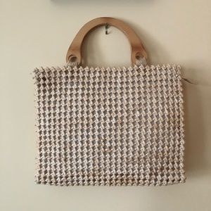 Handbags - EUC knotted straw bag with wooden handles